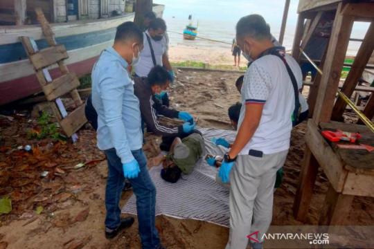 Polres Bangka Selatan olah TKP penemuan mayat