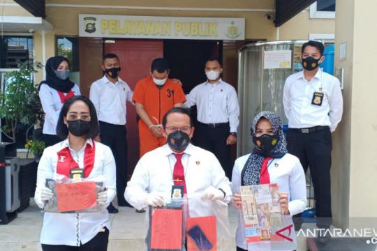 Polisi tangkap oknum guru fedofil terhadap 12 murid Ponpes