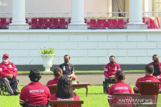 President Jokowi rewards 2020 Paralympics athletes
