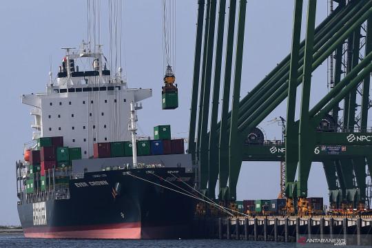 Surplus neraca perdagangan jadi motor penggerak ekonomi