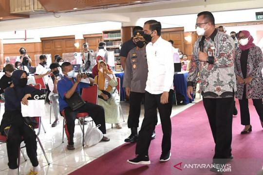 Presiden Jokowi minta mahasiswa gerakkan masyarakat ikuti Vaksinasi Merdeka