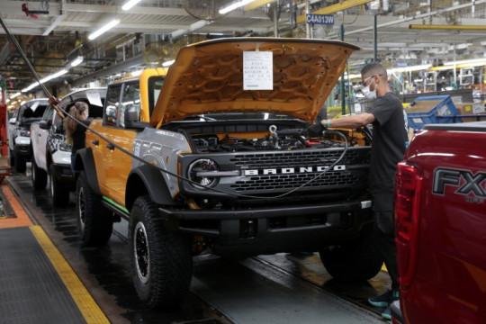 Ford Bronco Raptor akan hadir pada 2022