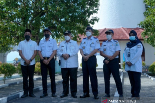Bupati Bangka Barat apresiasi petugas menara suar menjaga pelayaran Selat Bangka