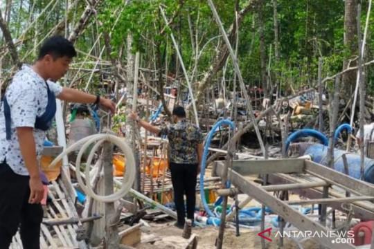 Polres Bangka Barat tertibkan tambang liar bijih timah di hutan mangrove Belolaut