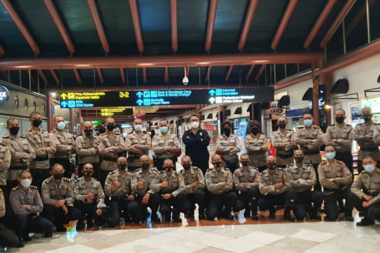 Polri berangkatkan 100 resimen vaksinator COVID-19 ke PON XX Papua