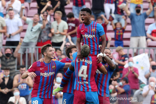 Barcelona kalahkan Levante 3-0