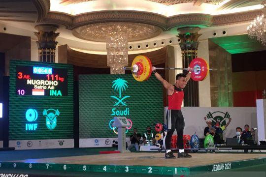 Lifter Indonesia Satrio Adi Nugroho ukir rekor dunia di Kejuaraan Angkat Besi Dunia Remaja U-17