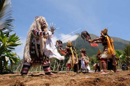 Festival Lima Gunung Page 1 Small