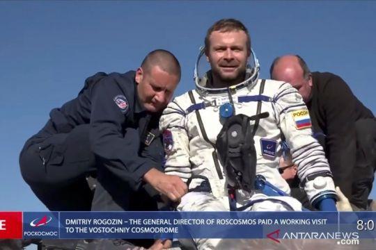 Selesai syuting 12 hari di antariksa, kru film Rusia berhasil kembali ke bumi