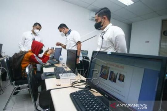 OJK warns Indonesians against illegal online lenders