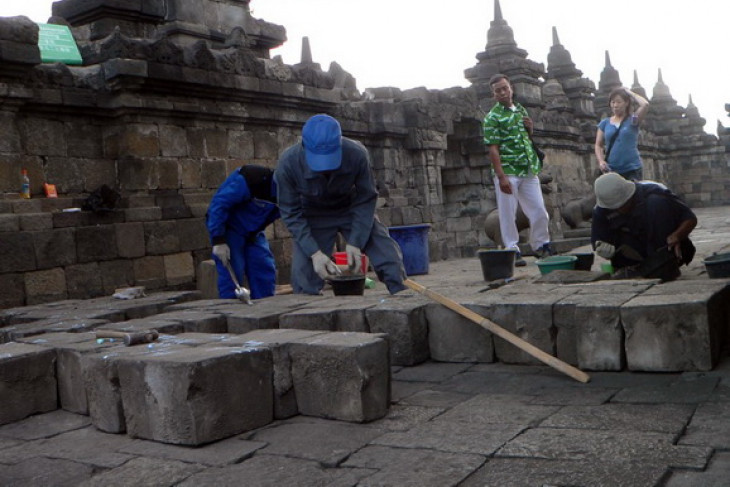 Borobudur temple conservation hangs in balance following volcanic ashes