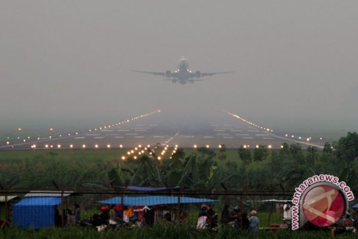 Susi Air plane fails to land as smoke blanked the airport