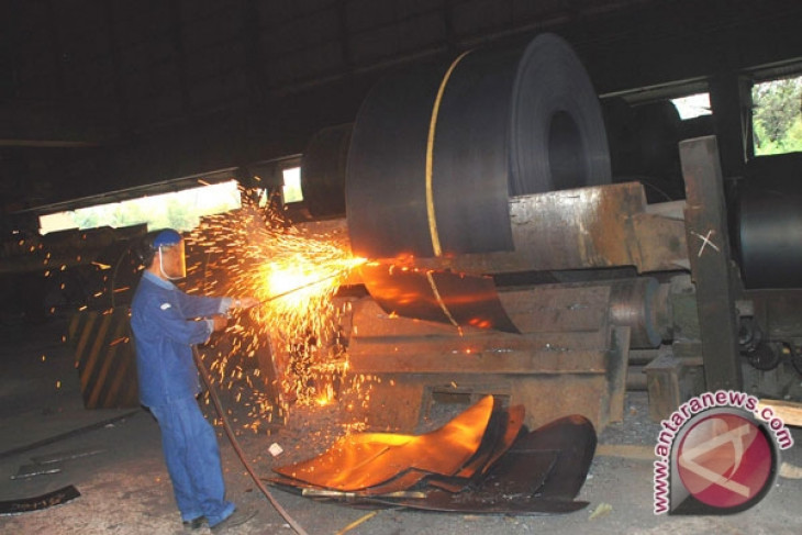 Banking sector supports national steel industry development