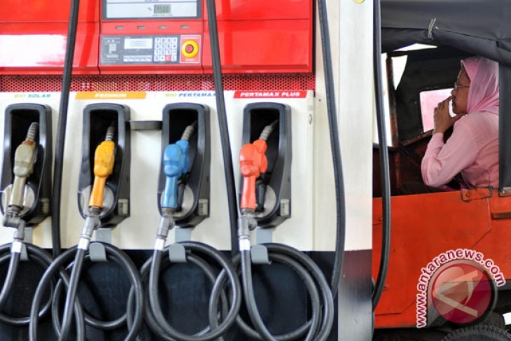 RI govt to implement new regulation on fuel oil soon