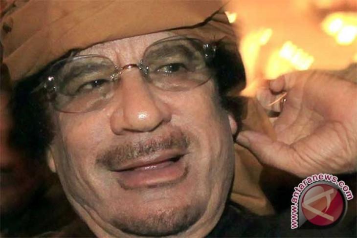 Papa can show up anybody - Gaddafi`s nurse