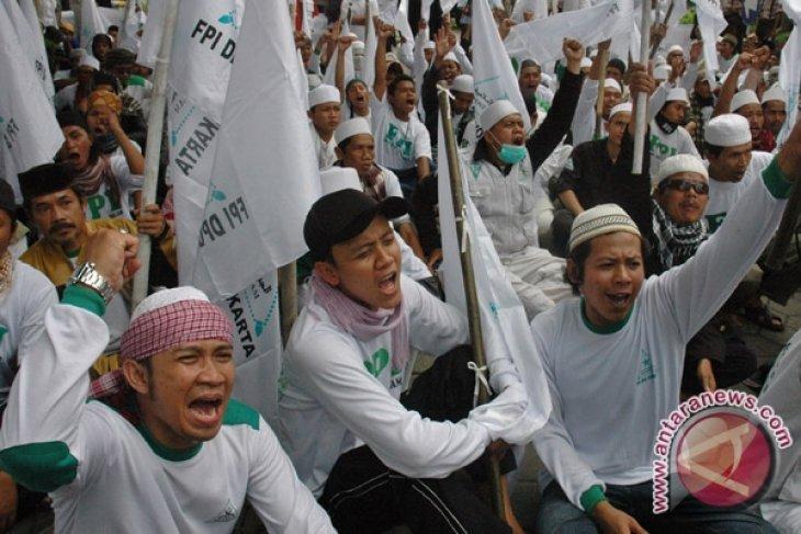 Thousands in Palangkaraya rally against FPI presence