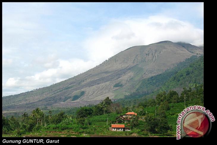 People warned of increased Mount Guntur activities