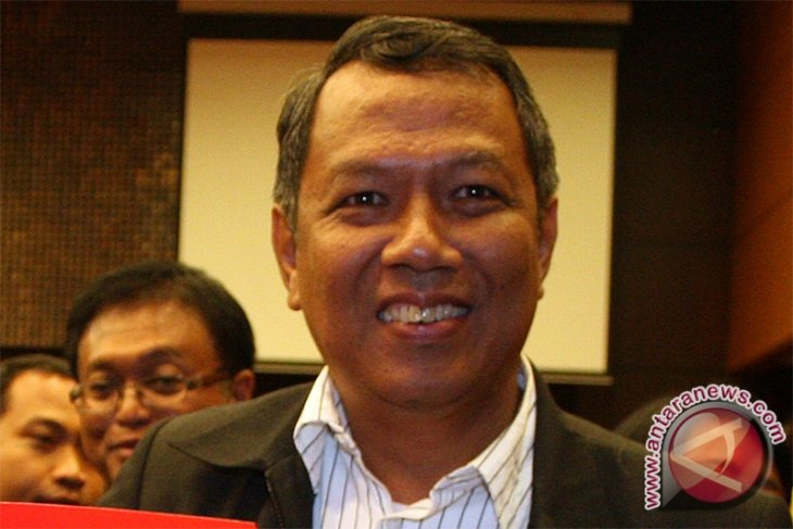 Third party invited to overcome trash problem in Tangerang