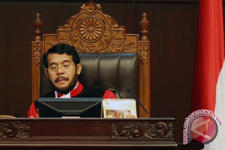 Indonesia election commission commits violation by opening ballot boxes: Court