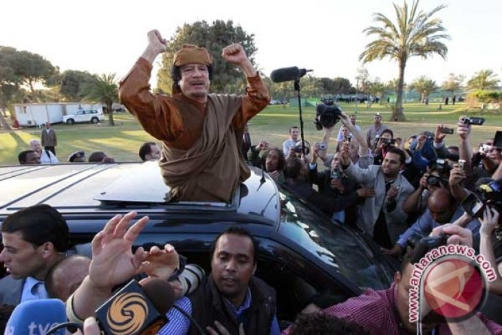 Gaddafi envoys due in Moscow on Tuesday