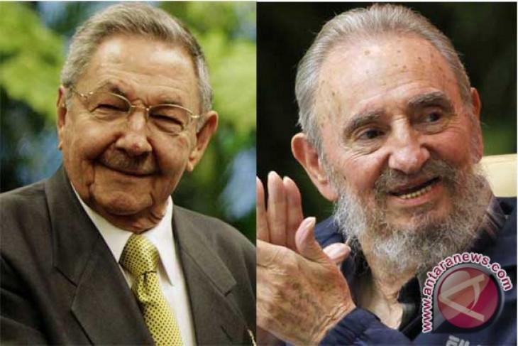 Fidel, Raul Castro visit Venezuelan President