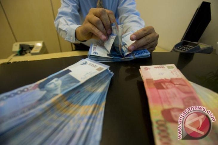 BI Rate lowering triggers rupiah to weaken