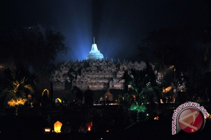 Borobudur to host international poetry reading event