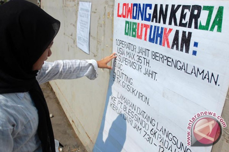 Govt predicts unemployment to decrease to 5.8 percent in 2013