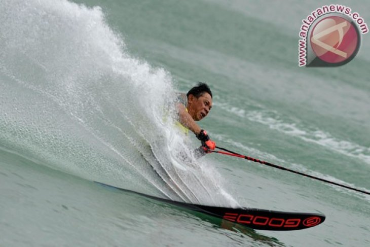 Twelve countries to participate in water skiing championship