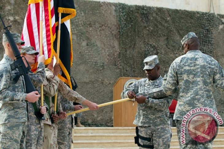 Last US base handed to Iraq ahead of pullout
