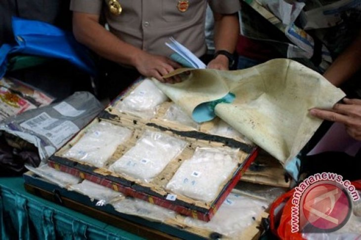 Jakarta police bust drug trafficking ring