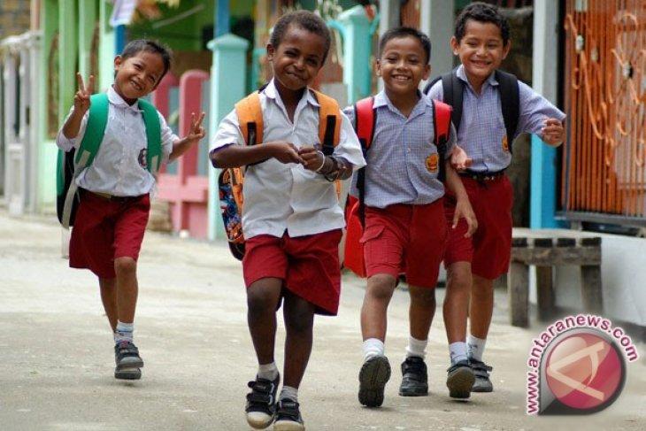 Mukomuko bantu biaya pendidikan anak putus sekolah