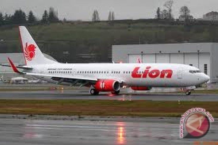 Pesawat Lion Air Tergelincir Masuk Laut di Bali