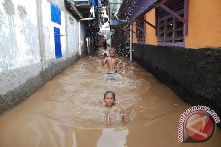 Three centuries on, Jakarta still unable to prevent flooding