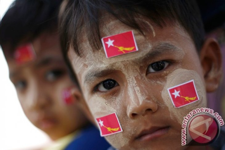 Myanmar`s human rights commission records 1,000 complaints