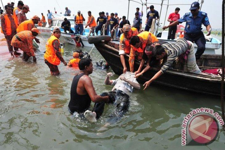 26 orang tewas dalam kecelakaan perahu cepat