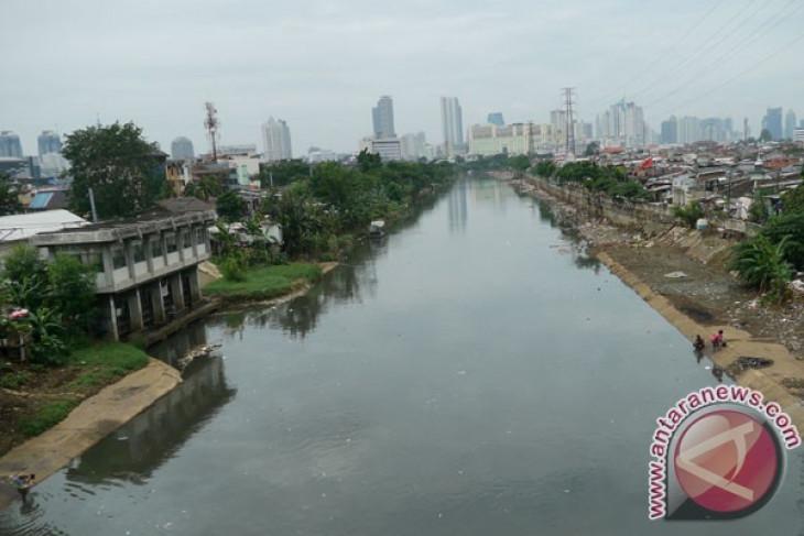 Jakarta facing water crisis