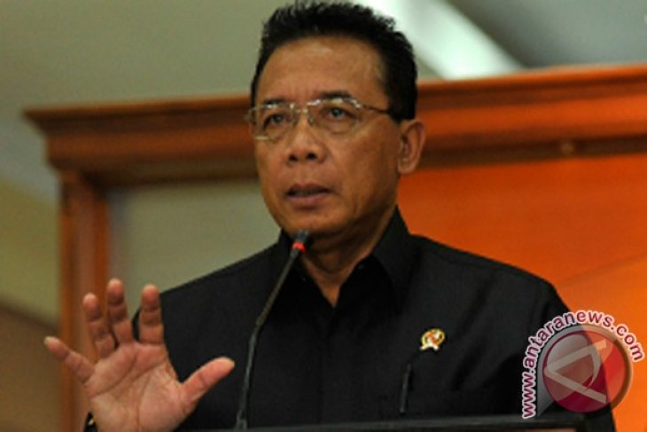 Minister urges media to shift focus from KPK-police tussle