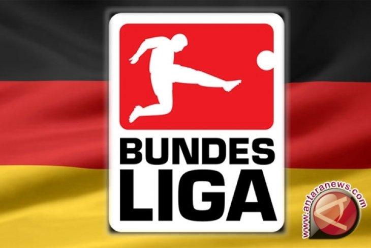 Perdebatan  seputar dimulainya pelatihan klub Bundesliga