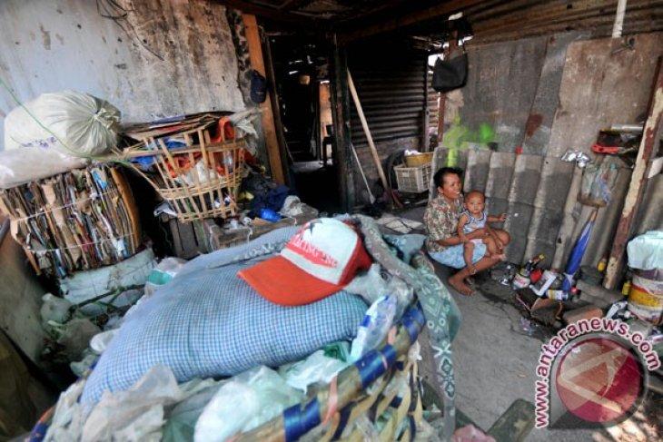 Indonesia's poor decreasing in 2012