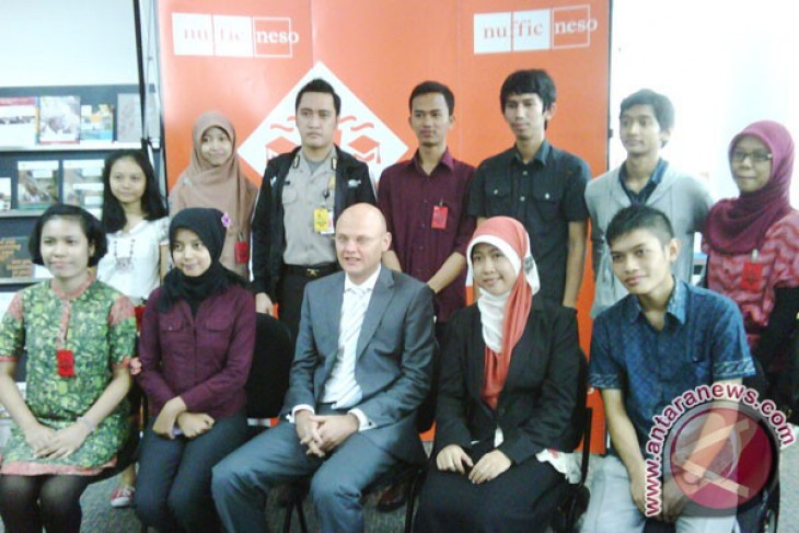 Hundreds of indonesian students to study in Netherlands