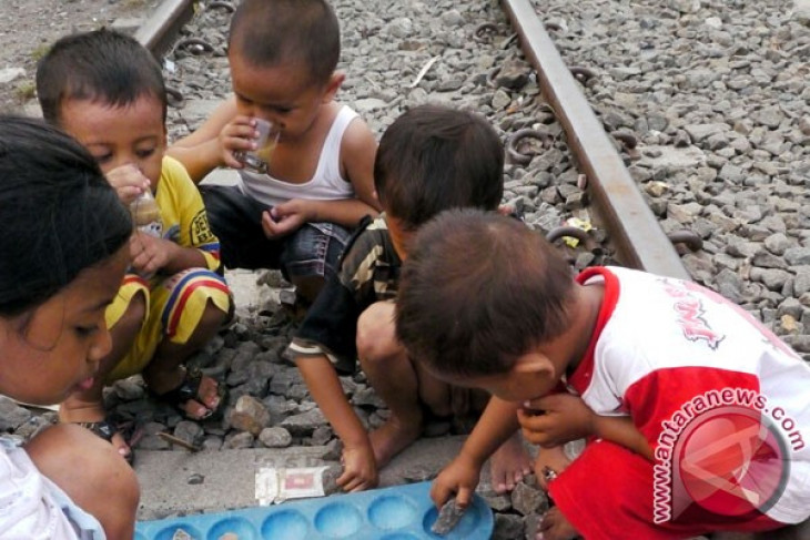 Two million Indonesian children not living with biological parents