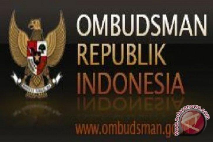 Warga Senakin Laporkan Disdukcapil Landak ke Ombudsman
