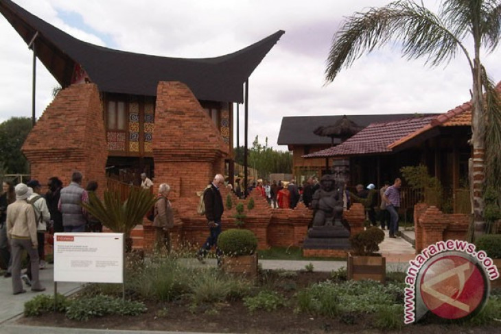 Thousands of people visit Indonesian pavilion at Floriade 2012