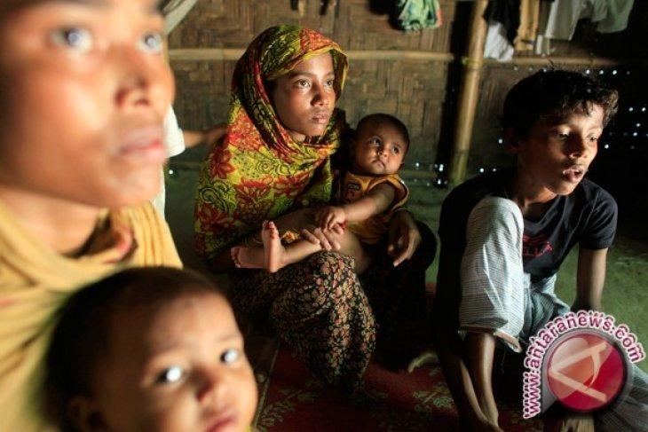 Pengungsi Rohingya di Pakistan Cemaskan Keluarga di Myanmar