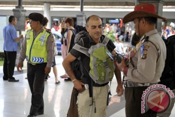 Thousands of passengers set foot in Bali