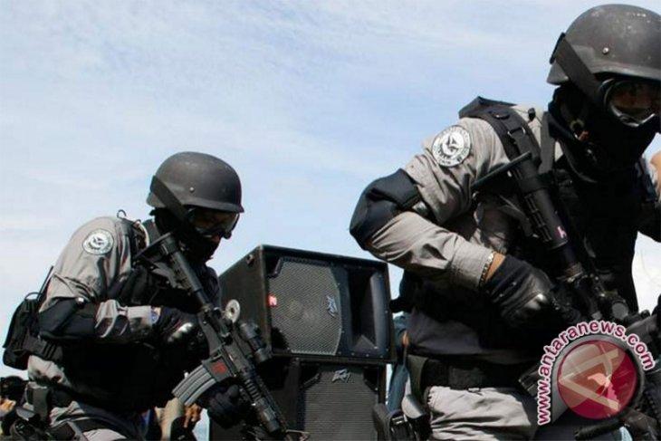Densus 88 Kepung Area Terduga Teroris