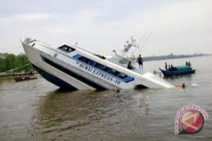 Korban Tewas Kapal Tenggelam Jadi 12 Orang