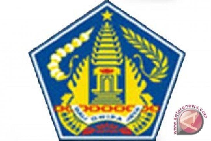 Pemprov Bali Serahkan 225 Peralatan Mesin Pertanian