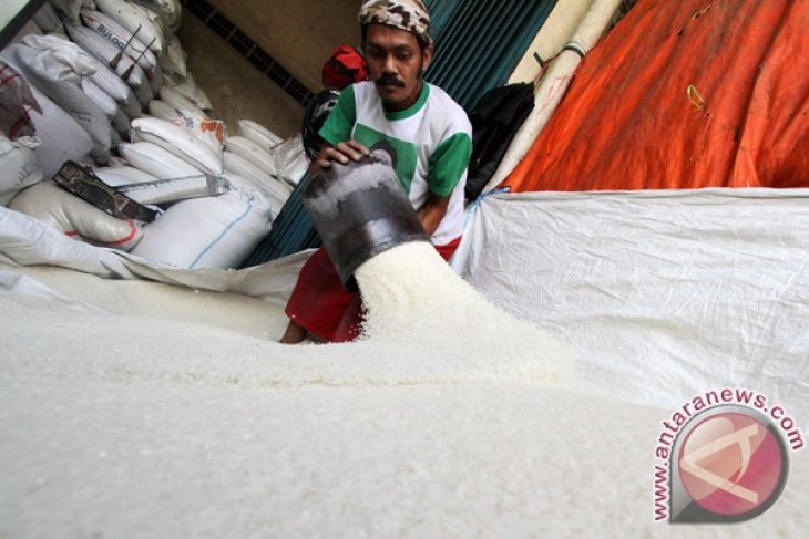 State logistics agency sees largest ever rice stocks in 2012